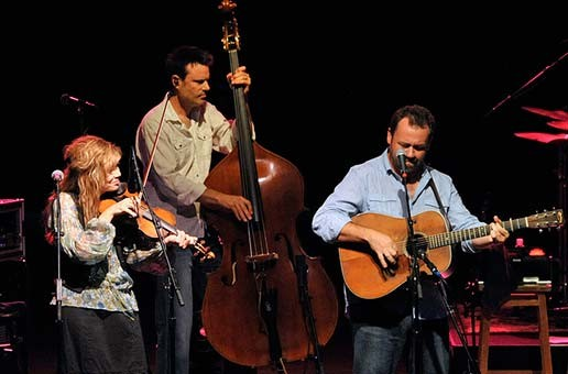 Alison Kraus & Union Station featuring Jerry Douglas – 2011